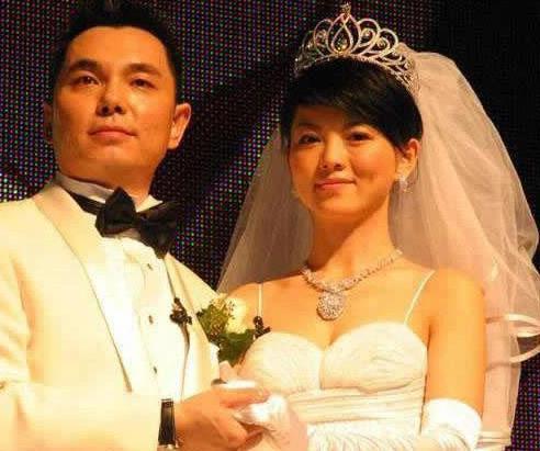 李湘前夫李厚霖与汪小菲同框,他们是什么关系?
