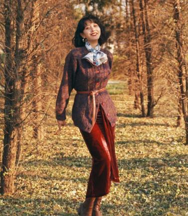 """""""呆板""""的毛衣搭配半身裙太美了!半身裙百搭又好凹造型,学起来"""