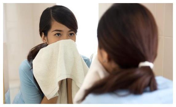 怎么知道自己有口臭?中医解释口臭是怎么引起的(附解决方法)