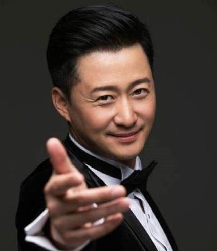 明明是中国人,却在节目中全程英语,吴京怒怼:不要和我讲英文!