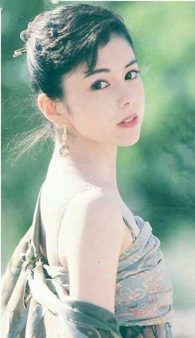 日本昭和时代大美人泽口靖子