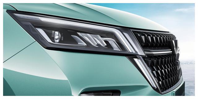 五菱全球银标首款战略型SUV官图公布,上海车展耀世登场