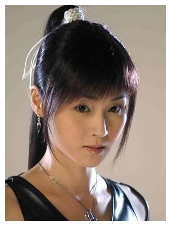 吕颂贤多次求复合,甄子丹下跪求爱,她当年有多抢手