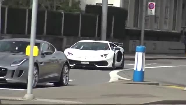 视频:纯粹的驾驶利器,街拍保时捷911
