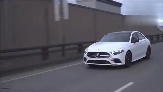 视频:奔驰A220惊艳亮相,有这颜值还考虑