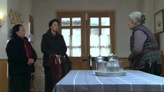 生死相依:公婆分家产,恶毒儿媳上门要抢房,丈夫回来让她好看