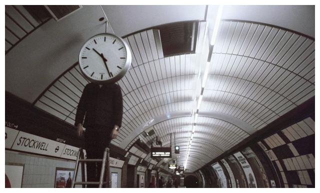 上世纪七八十年代的英国伦敦地铁彩色老照片