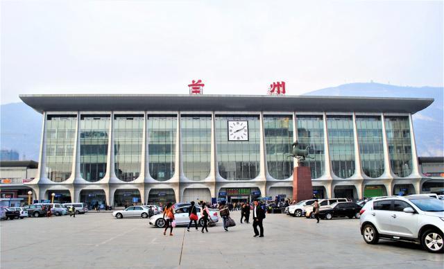 丝路重镇,西北五省会GDP排行第三,人口370万,旅游年收入594亿