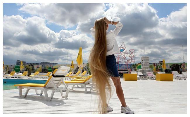 为何你的头发不能长到2米多?和头发生长周期有关