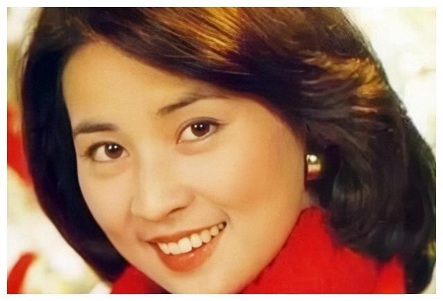 房祖名首次谈家庭,十年间只与父母吃过一顿饭,林凤娇常偷偷落泪