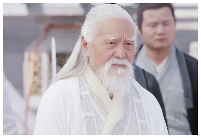 武当山上,少林三空还敢挑战张三丰,两年后在少林寺为何怂了