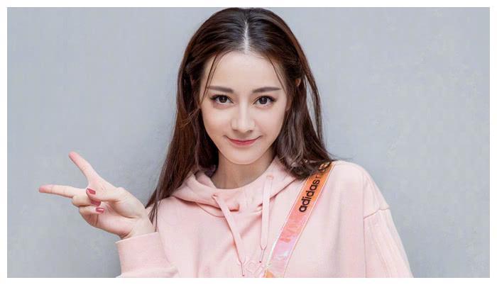 娱乐圈外国人认为最美的女星,赵丽颖热巴上榜,演技颜值并存