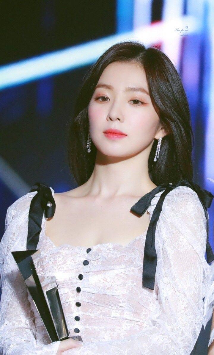 对于Irene裴珠泫耍大牌骂造型师事件 JYP老板朴振英强调偶像人品更重要