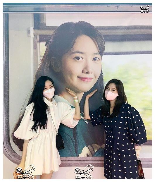 Sunny与Tiffany,对林允儿出演电影的特级应援…少女时代友情ing