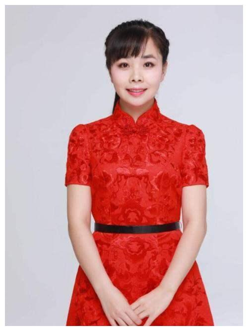 她凭《星光大道》一炮而红,成名后却选择回农村,王二妮咋样了?