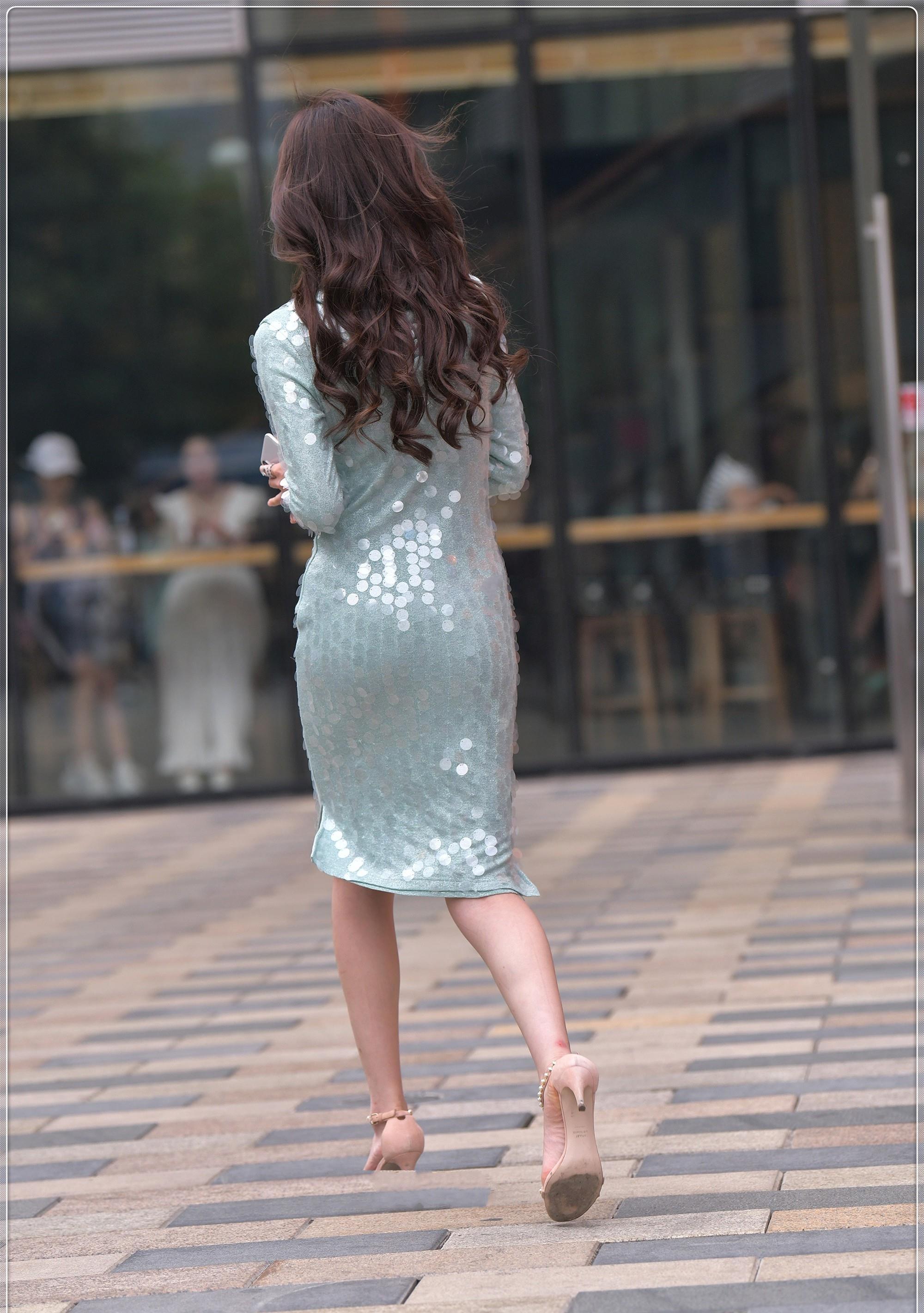 淡青色亮片裙,时尚优雅,尽显成熟女人气质