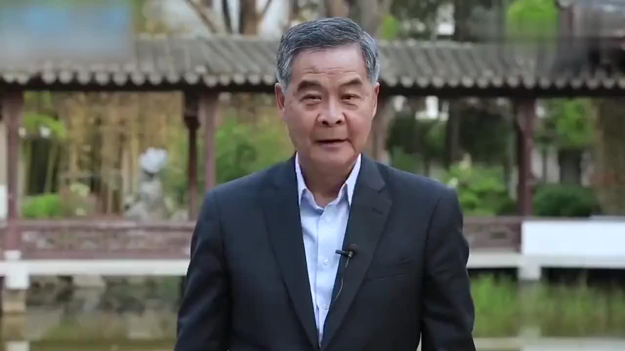 梁振英呼吁香港青年:祖国这么大,希望大家能多去看看