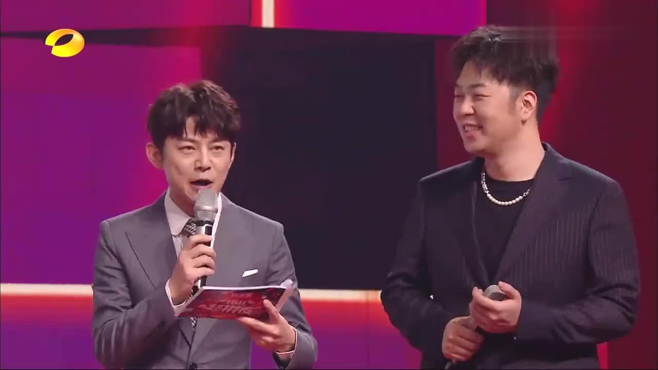 刘宇宁深情演唱《下雨天》,好听到起鸡皮疙瘩,何炅:神仙嗓音!