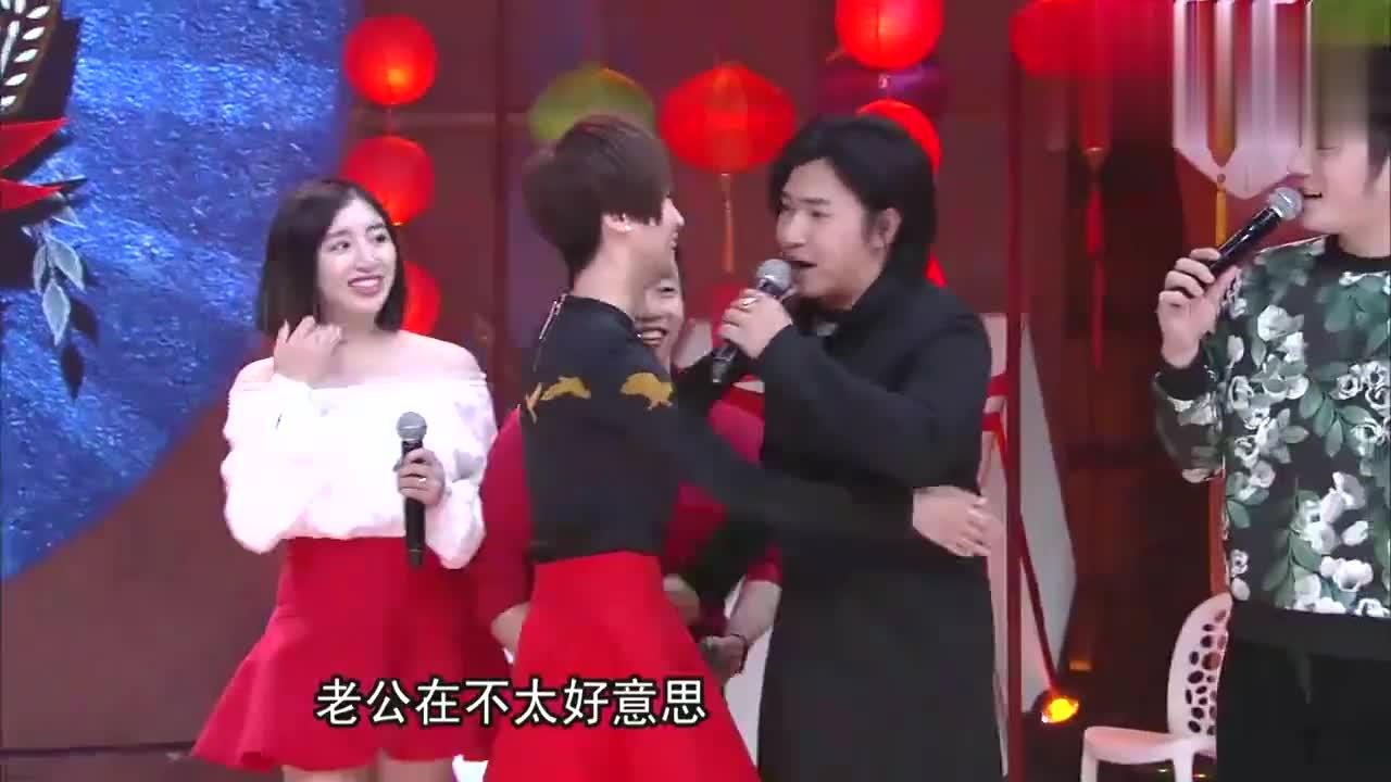 谢楠上台就和欧弟亲近,吴京的眼神亮了!汪涵:你直接内伤了!