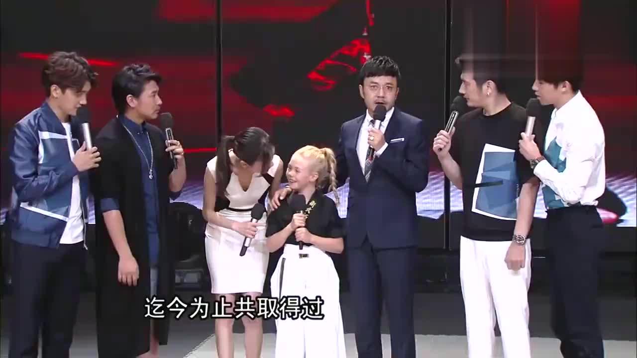 """外国洋妞酷爱中国武术,偶像是成龙,欧弟帮她""""圆梦""""丨天天向上"""