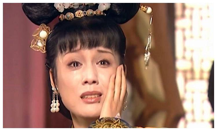 康熙王朝:容妃为奴后洗马桶,康熙为何任由她被小太监欺凌不管?