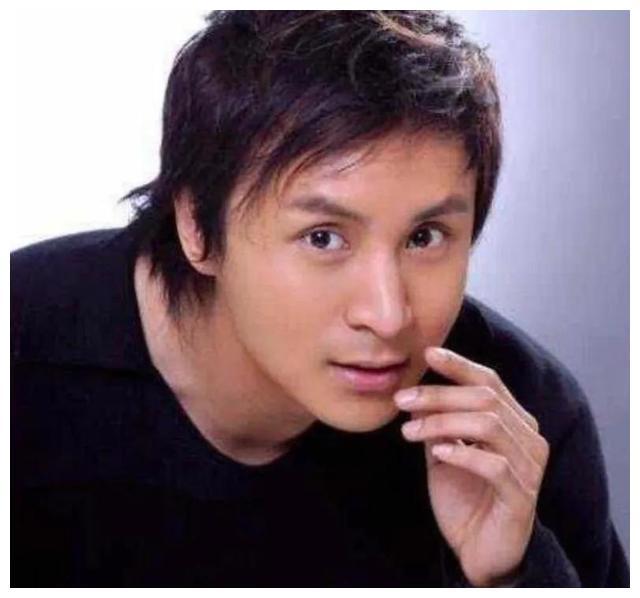 上海主持人朱桢好人缘多到半个娱乐圈,薛之谦更是给他当两次伴郎