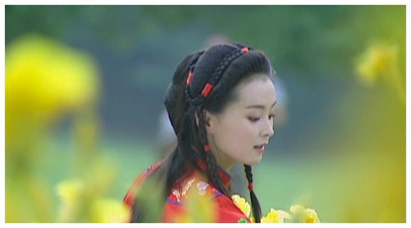 情深深:原著中萍萍并没有死,她嫁与人妻,十五年后与陆振华相遇