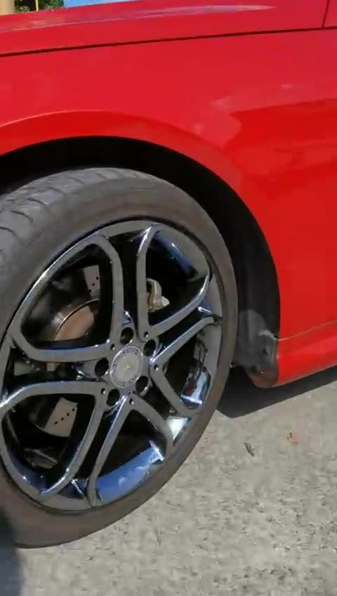 视频:奔驰e260原车拉丝轮毂改电镀钨钢黑
