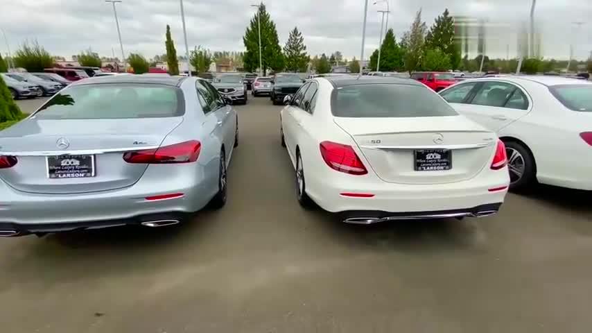 视频:2021款奔驰E级到货,和老款的停一块对比一下,才明白啥叫改变