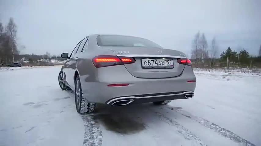 视频:2021款奔驰E级高清展示,颜值不输奔驰S级,买不买宝马5系自己定