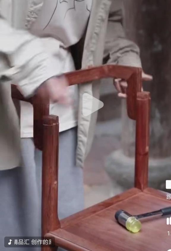 快住手,传统榫卯手工艺快被玩坏了,再说消费者买红木家具须谨慎