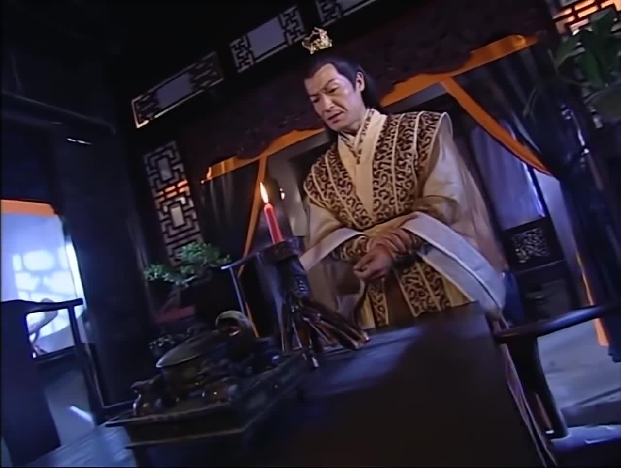 杨逍不顾危险救纪晓芙,出手找殷野王要解药,殷野王气坏了