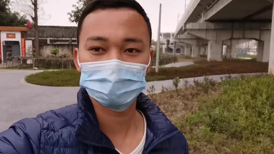 四川崇州最大的厂招工了临时工26块钱1小时面试的人山人海