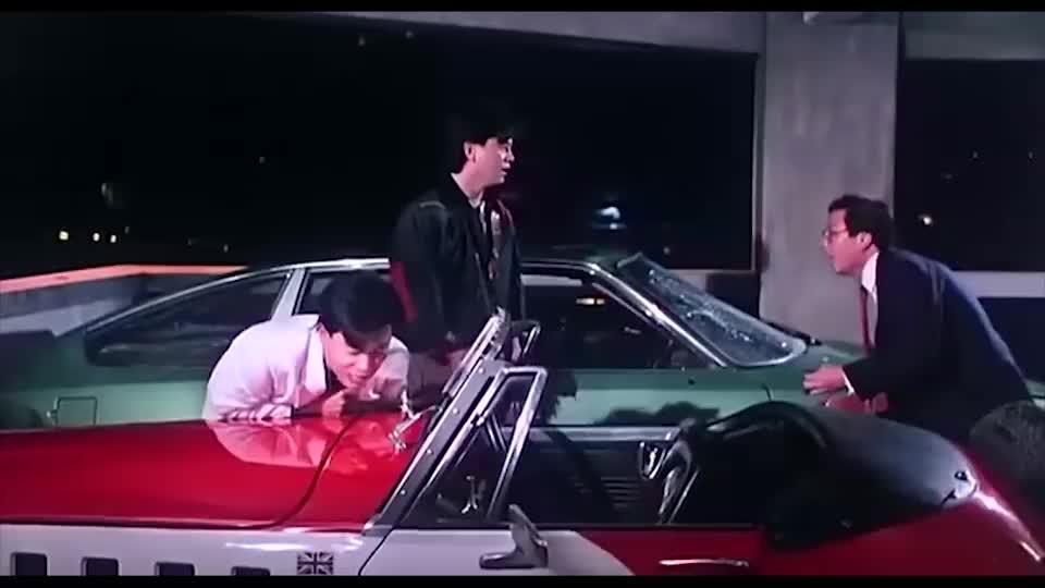 张国荣砸了男子的车,陈百祥机智帮他忽悠车主,太搞笑了