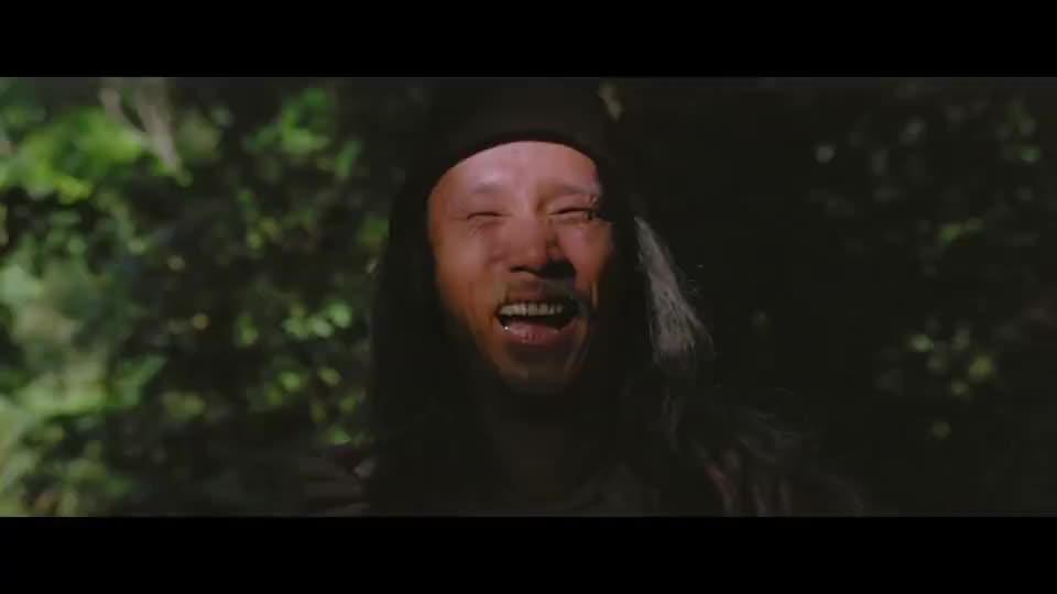 成龙大哥练武,简单的工具却练出满身横肉,是个高手!