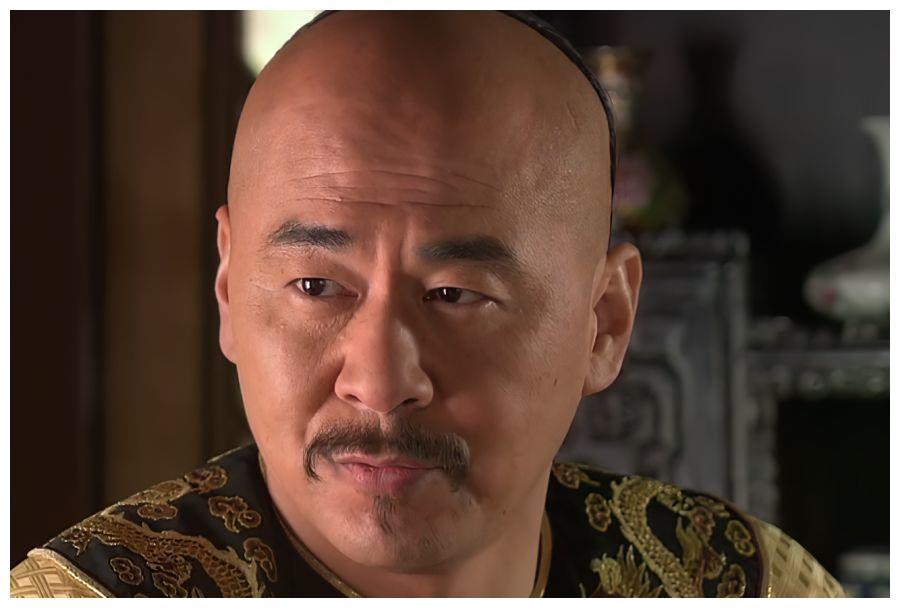 甄嬛传:安陵容模仿纯元唱歌,谁注意皇上对她的称呼?太讽刺了
