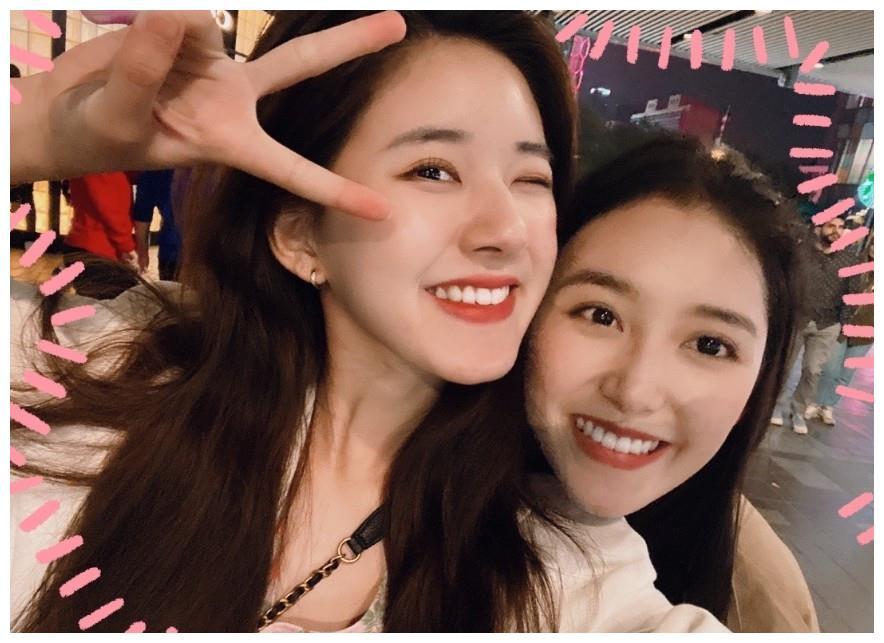 演员蒋依依和赵露思是闺蜜吗 两个人是怎么认识的