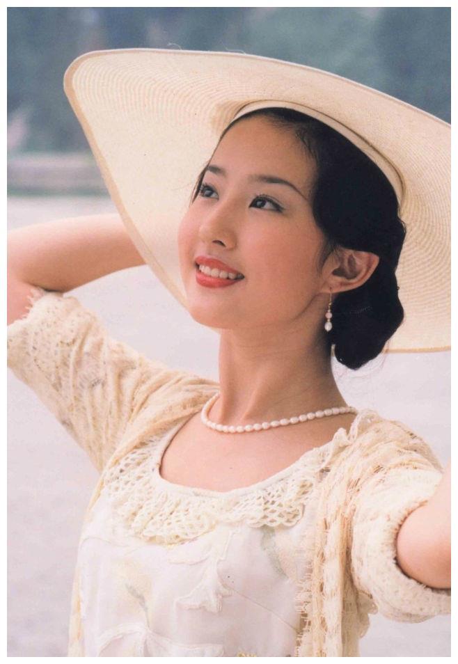 天仙姐姐刘亦菲的演艺之路 让人心疼
