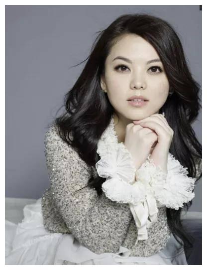 娱乐圈婚姻即使不幸福,还要表现恩爱的女星,李湘刘涛上榜
