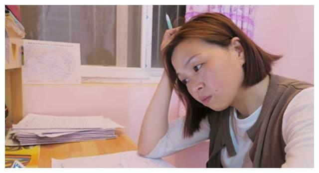 王娜娜:被人冒名上大学,14年后再战高考,34岁过上大学生活