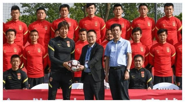 输越南会载入足球史册,足协严令拿3分,严禁出现输泰国的局面