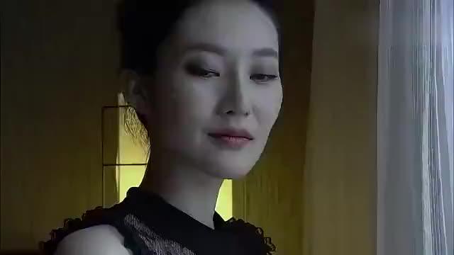 中国刑警毒贩和女老板见面,一开门吓坏,女老板竟是个大美人
