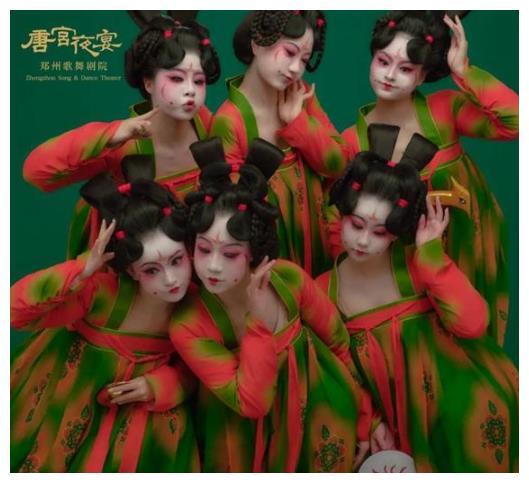 """唐宫小姐姐又来了,和冯提莫戴荃掀起""""国潮""""风"""