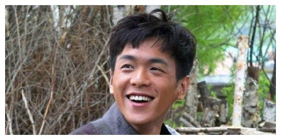 张健有多坑亲生儿子张若昀,了解完张若昀的经历就全明白了