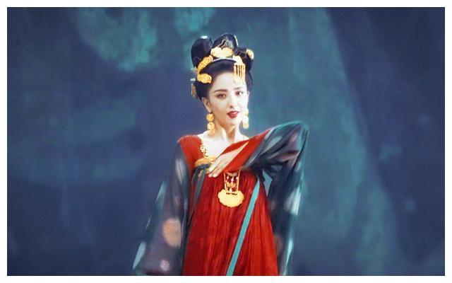 佟丽娅在《国家宝藏》中,美到外拍摄影的兄弟不敢直视镜头的地步