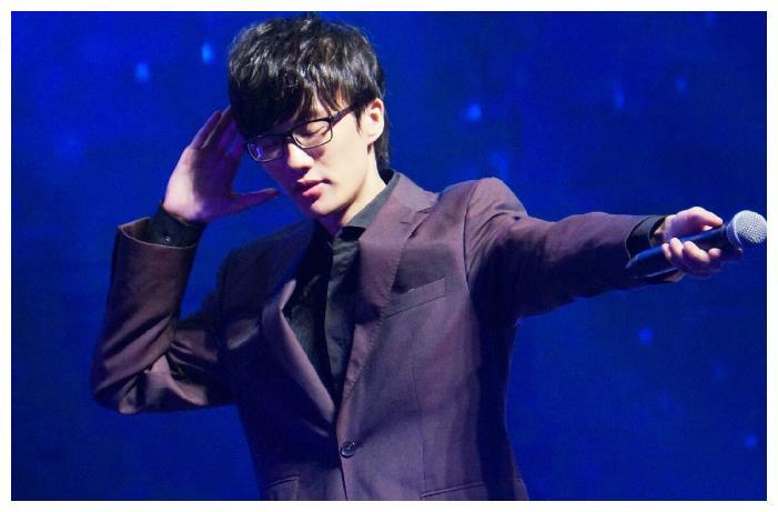中国唯一不混娱乐圈的歌手,开演唱会从不宣传,却场场座无虚席!