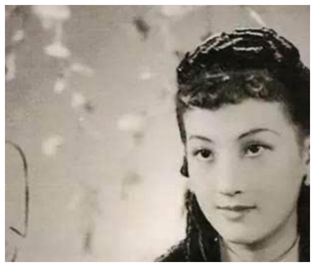 上海名媛与戏子私奔,却意外培养出一盛世豪门,女儿成世界级明星