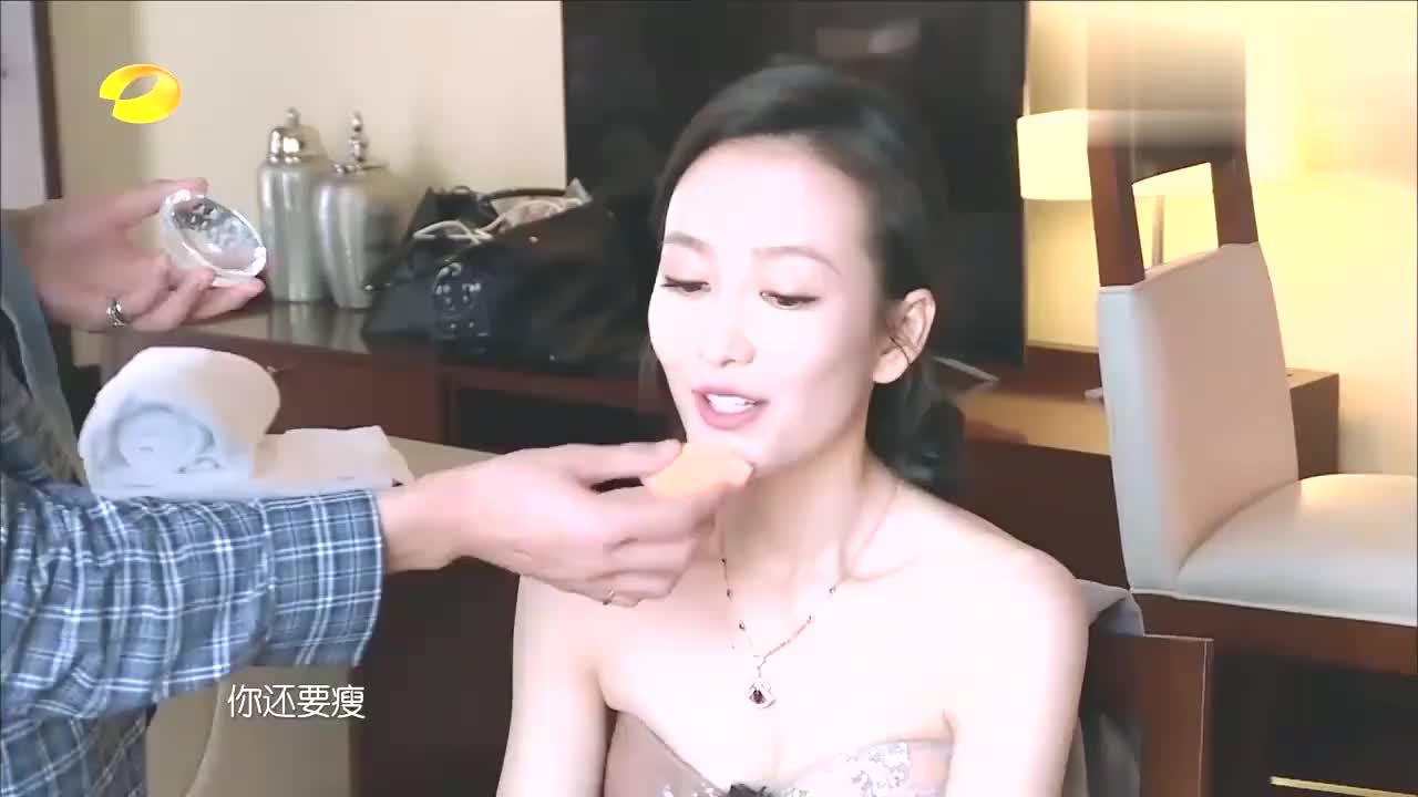我家那闺女:王鸥为了变美太拼,不但打瘦脸针,还要涂发际线粉!