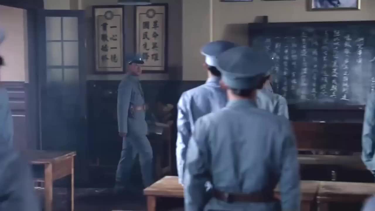 马上天下:天才新兵沙盘推演,竟将教官打得一败涂地,雄性出少年