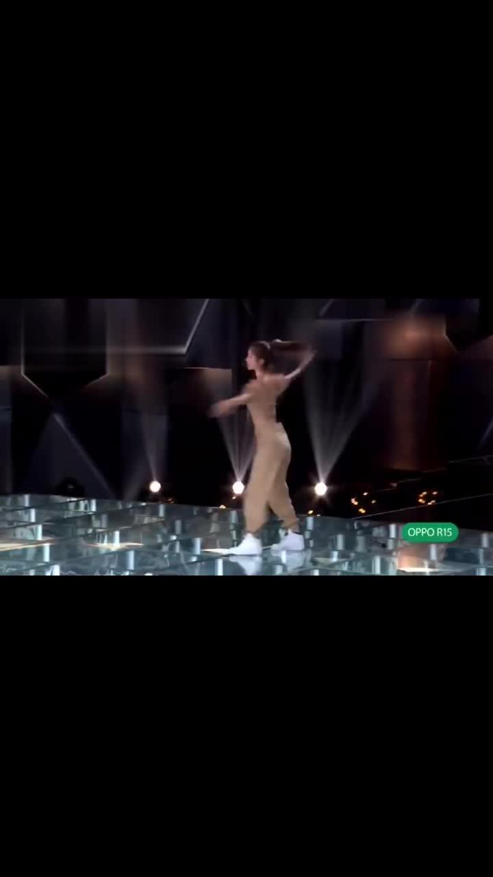 王一博喜欢张馨月的舞蹈,A位争夺太激烈了